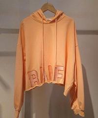 ロゴ刺繍ショート丈スウェットパーカー オレンジ