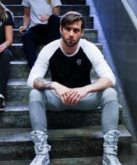 IVTT Diamond logo Raglan Tshirts  Black/White