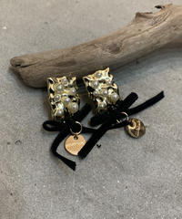 METAL PEARL AND VELOR RIBBON GOLD