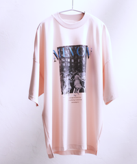 【7.14(WED)19:45-Pre-order】MEVOW  GRAPHIC T(Pink)