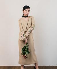 花を着るワンピース #01【Rose × BEIGE】