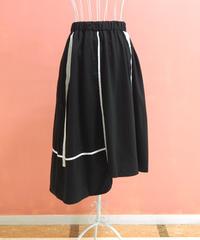 リボンテープ付きアシンメトリーラインスカート