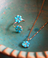 """ZUNI JEWELRY"" Inlay Turquoise Flower Necklace"