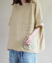 刺しゅう    ラウンドネック    Tシャツ