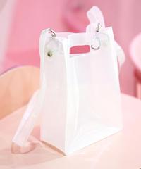 透明なショルダーバッグ