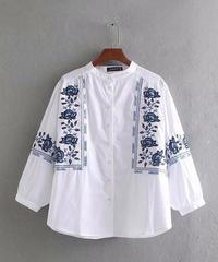 贅沢刺繍入り    長袖シャツ