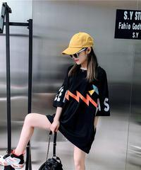 カラフルロゴオーバーサイズTシャツ