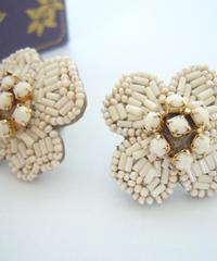 kaori shimomura | pierce or earrings Cornouiller