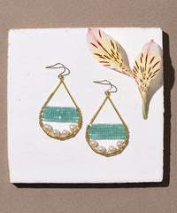 Kui Co.| Signature Earrings with 淡水パール(グリーン)