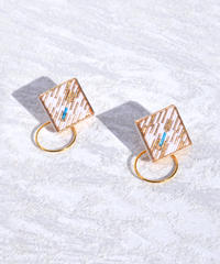 RITUAL the crafts | Square Hoop I earring | white