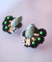 tsububu | pistachio earring