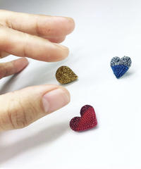 mm | knitted broach heart