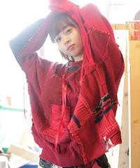 """レッドエンド・ガールフレンド"" Red end girl friend, reconstructed from red knit vintages"
