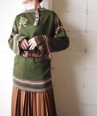 1970's Flared Sleeve Flower Sweater KA