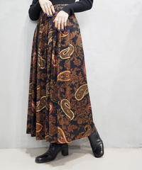 Paisley Pattern Tuck Flared Skirt BKBR