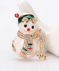 クリスマス2019  聖夜の雪だるま(スキースタイル)型ブローチ ドレスコートジュエリー  安全ピン ギフトにも!