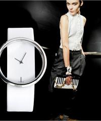 SOXYファッションカジュアルホローダイヤルレザーエレガントシンプルデザインクォーツ女性腕時計