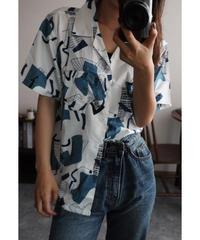 アートパターンシャツ