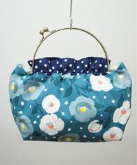 【口金バッグ】青緑色に椿
