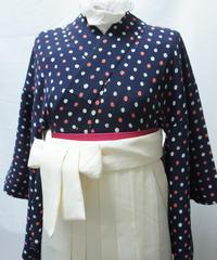 アイボリーの袴