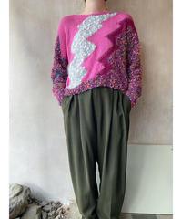 ピンクギザギザセーター