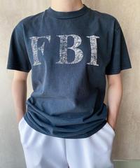 FBI Tシャツ