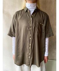 ダークカーキ 2ボタンシャツ