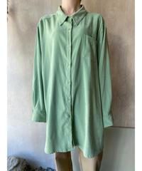 マットペールグリーンBIGシャツ