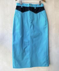 ターコイズブルータイトスカート