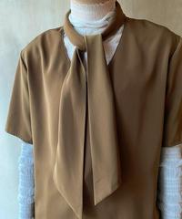 ブラウンタイ付き半袖ブラウス