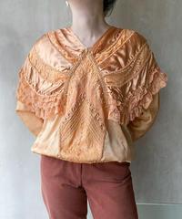 ペールオレンジレースブラウス
