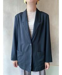 黒テーラードジャケット