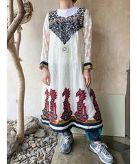 エスニック白シースルー刺繍ワンピース