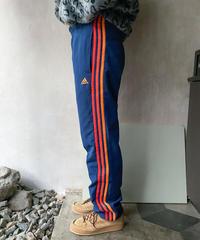 adidasオレンジラインジャージ