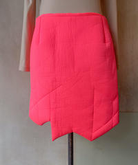 蛍光ピンクギザギザスカート