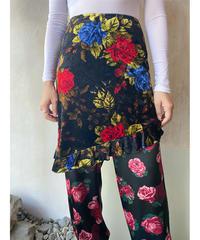 ベロア赤青花柄スカート