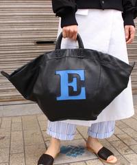 "eb.a.gos / LAMB LEATHER ""E"" bag / BLACK"