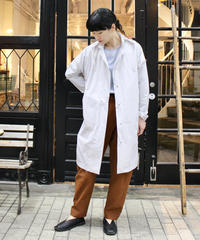 formuniform / Classic raincoat / White, Navy