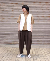 ARTICLES OF CLOTHING / STUDIO VEST / WHITE