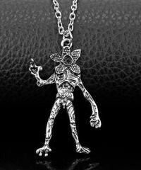 【期間限定】ストレンジャーシングス 新キラー デモゴルゴン 金属 リアルデザイン ネックレス セット購入で1つ無料プレゼント