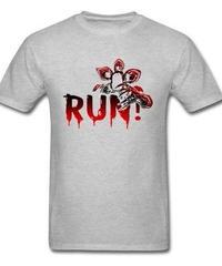 Dead by Daylight デモゴルゴン キラー ホラー 血文字デザイン RUN フロントプリント 半袖 メンズ Tシャツ XS~XXXL グレー