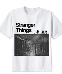 Dead by Daylight デモゴルゴン ストレンジシングス モノクロ 風景 ロゴデザイン クール メンズ 半袖Tシャツ ホワイト S~3XL