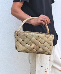 沢胡桃のかごバッグ 市松斜め編み 表皮 バスケット 素朴な雰囲気 ワンハンドル ミドルサイズ