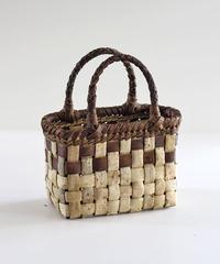 沢胡桃のかごバッグ 表皮×裏皮 平編み 可愛い小ぶりシルエット