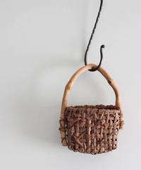 山葡萄樹皮 ウッドハンドル 壁飾り籠(壁掛けかご)