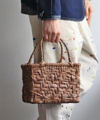 横幅25cm 山葡萄のかごバッグ   使いやすいミドルサイズ 内布あり(ポケットにはミナペルホネンのハギレ)