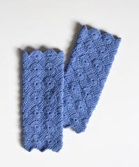 手編み アームウォーマー (ウール×綿) イタリア産 レース糸  サックスブルー 長さ22cm oz and made