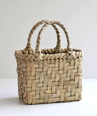 沢胡桃のかごバッグ  網代編み 表皮 可愛い小ぶりサイズ
