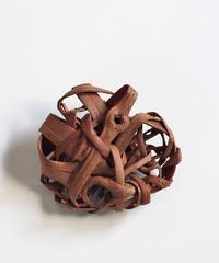 山葡萄のブローチ 『大き目乱れ編み無造作』岩手県産の山ブドウ樹皮