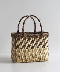 横幅24cm 網代編み 表皮×裏皮 沢胡桃のかごバッグ   (クルミ/くるみ/籠)